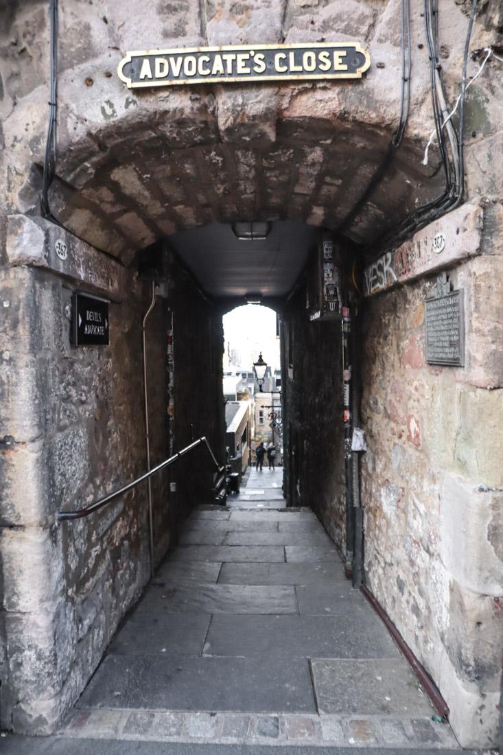 Advocates Close Royal Mile Edinburgh Old Town_