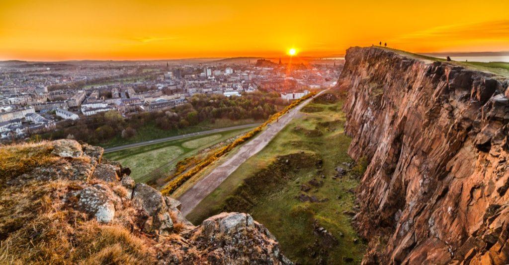 Crags Edinburgh Walk. Sunset.