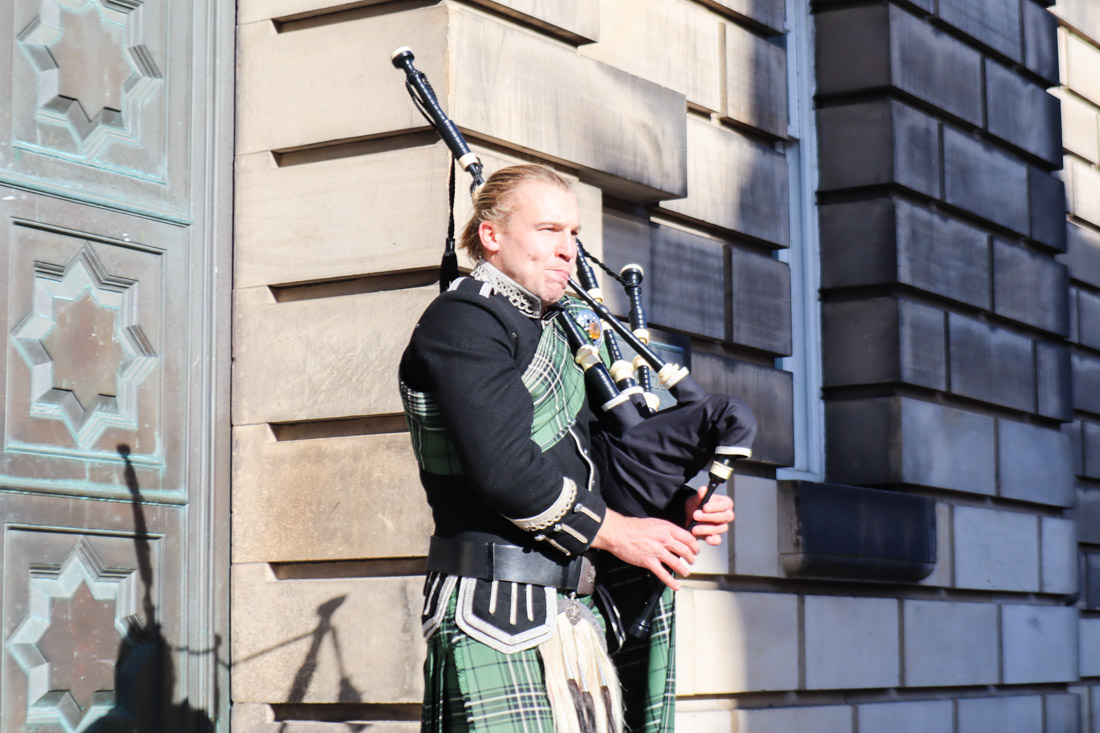 Royal Mile Edinburgh Piper