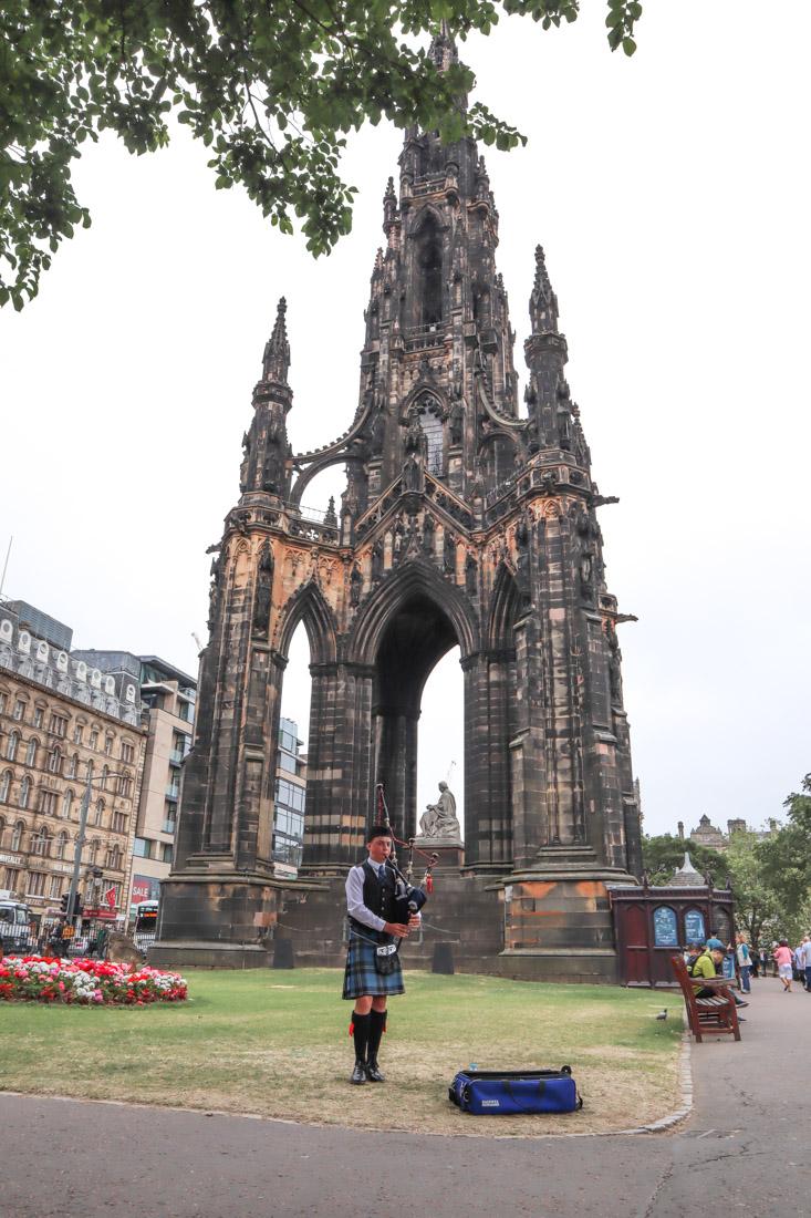 Scott Monument New Town Piper Edinburgh Princes Street Gardens_