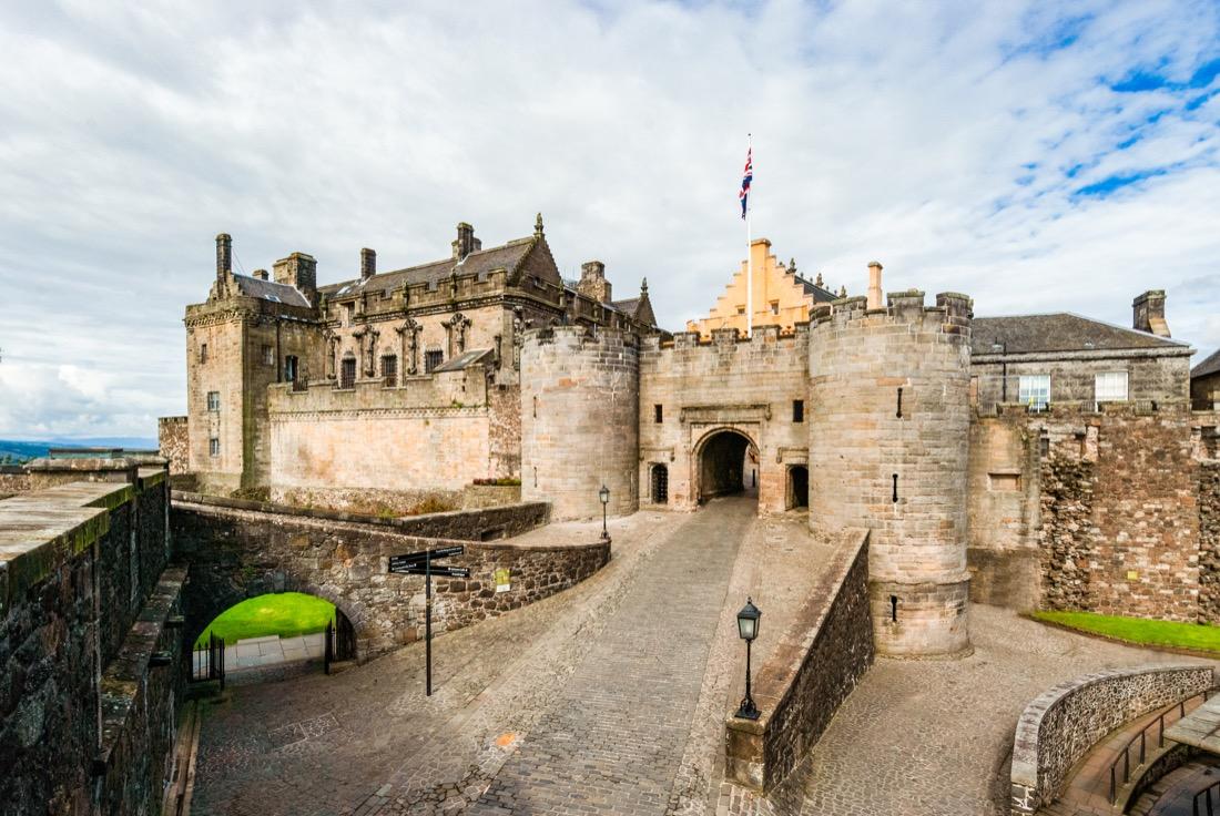 Stirling Castle blue skies train trips from edinburgh