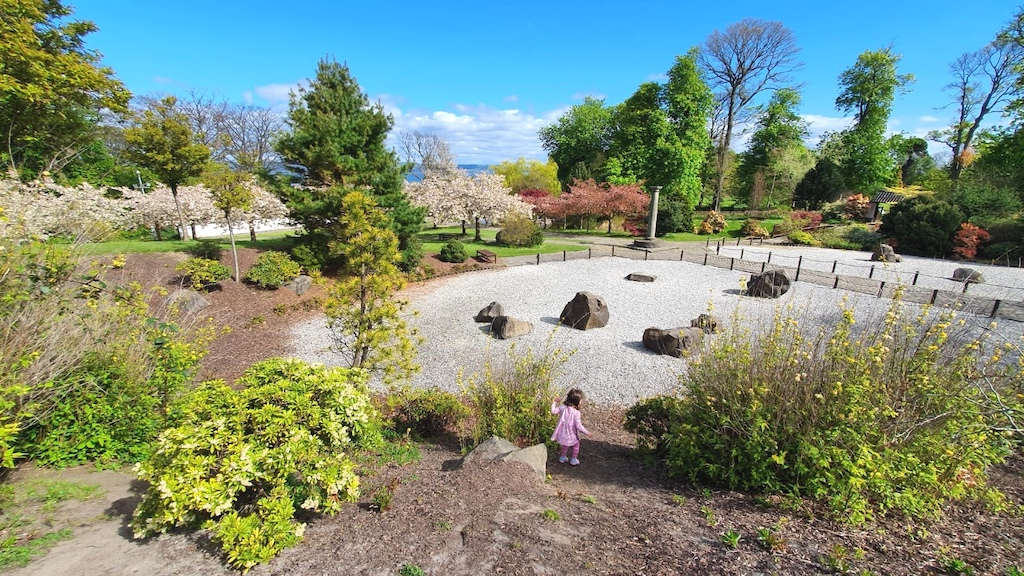 Lauriston Gardens and kid playing
