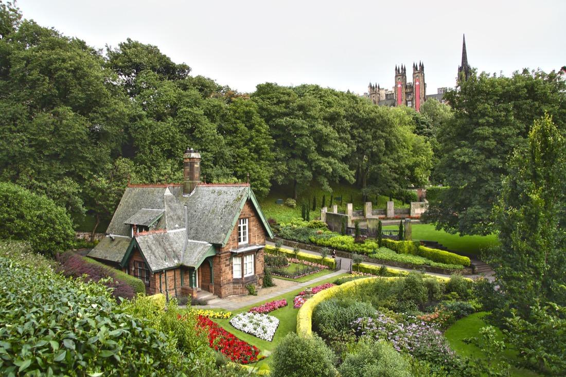 Gardener Cottage Princes Street Garden Nature Edinburgh