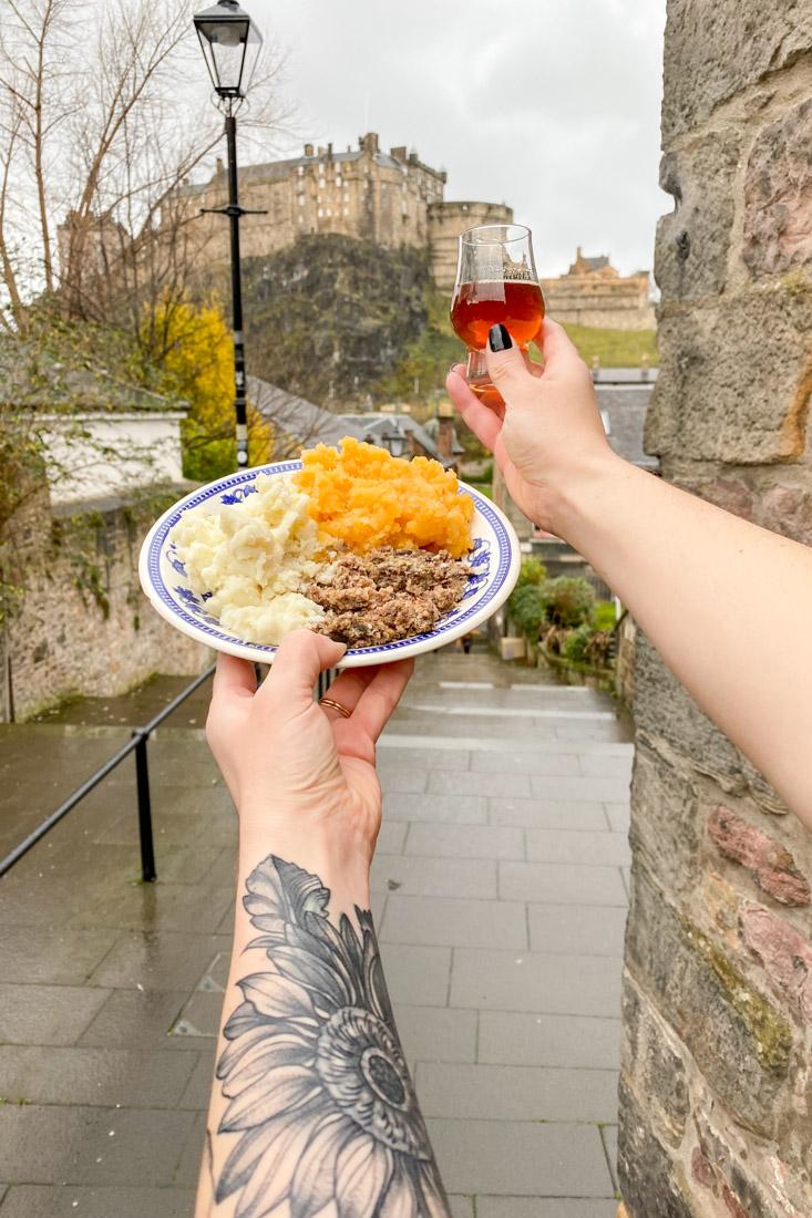 Haggis Neep Whisky Edinburgh Castle Food_