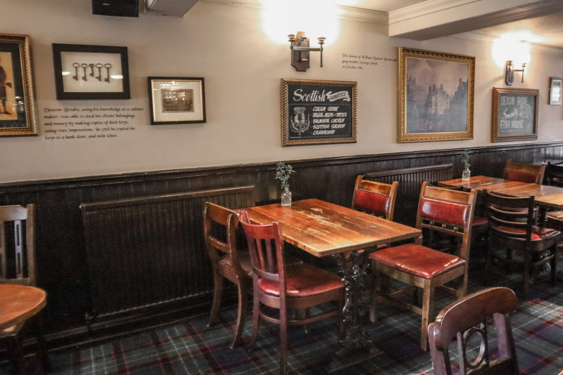 Deacon Brodies Tavern Pub Food Royal Mile Edinburgh