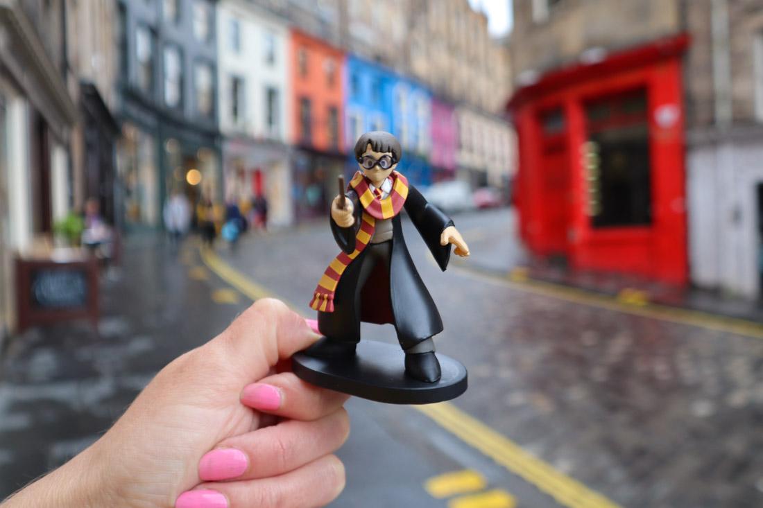 Potter Figure at Victoria Street in Edinburgh