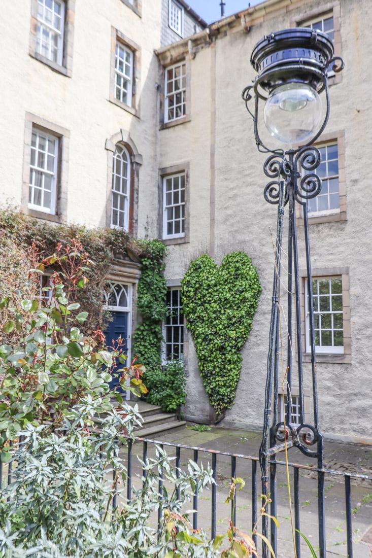 Chessels Court Near Royal Mile Edinburgh