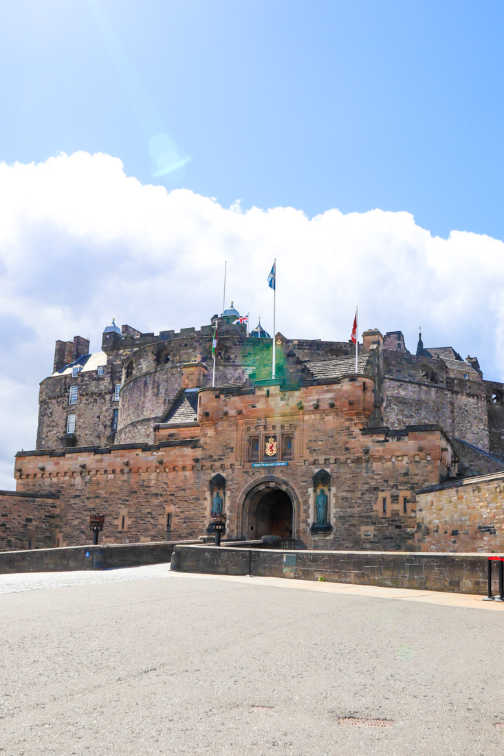 Edinburgh Castle Entry Doors Castlehill Activities Edinburgh_