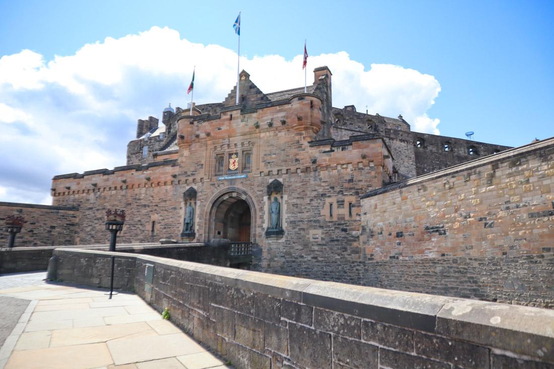 Edinburgh Castle From Entrance Castlehill Activities Edinburgh_