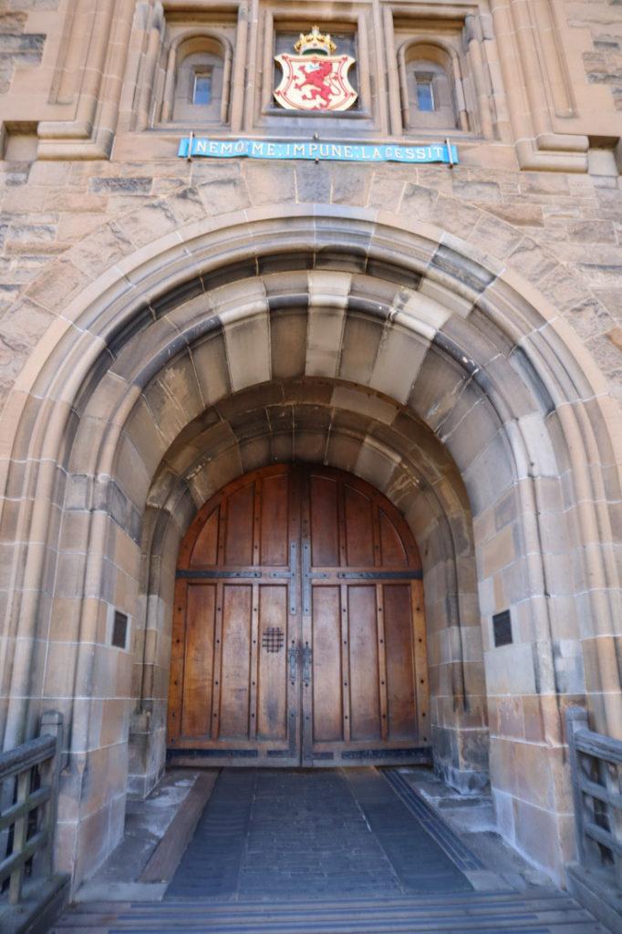 Edinburgh Castle Front Entrance Doors Royal Mile Edinburgh Activities