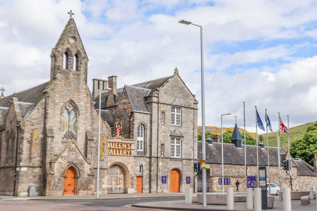 Queens Gallery Edinburgh Holyrood_