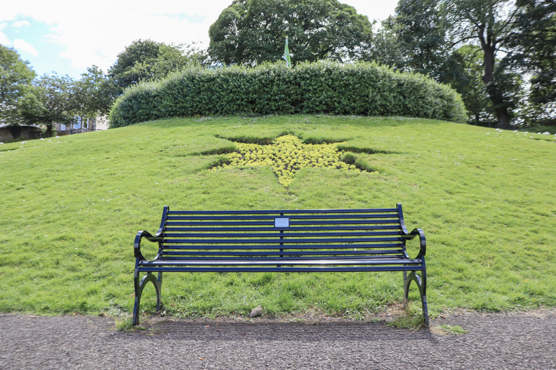 Starbank Park Bench and Flower Star