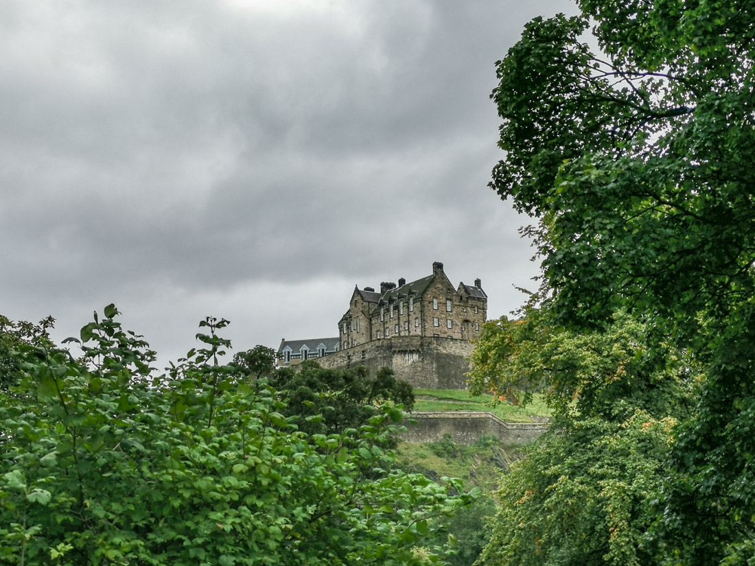 Edinburgh Castle Grey Skies Rain Edinburgh_