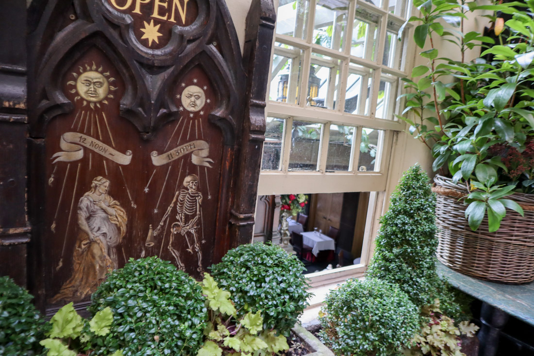 The Witchery By The Castle Accommodation Food Hotel Old Town Edinburgh