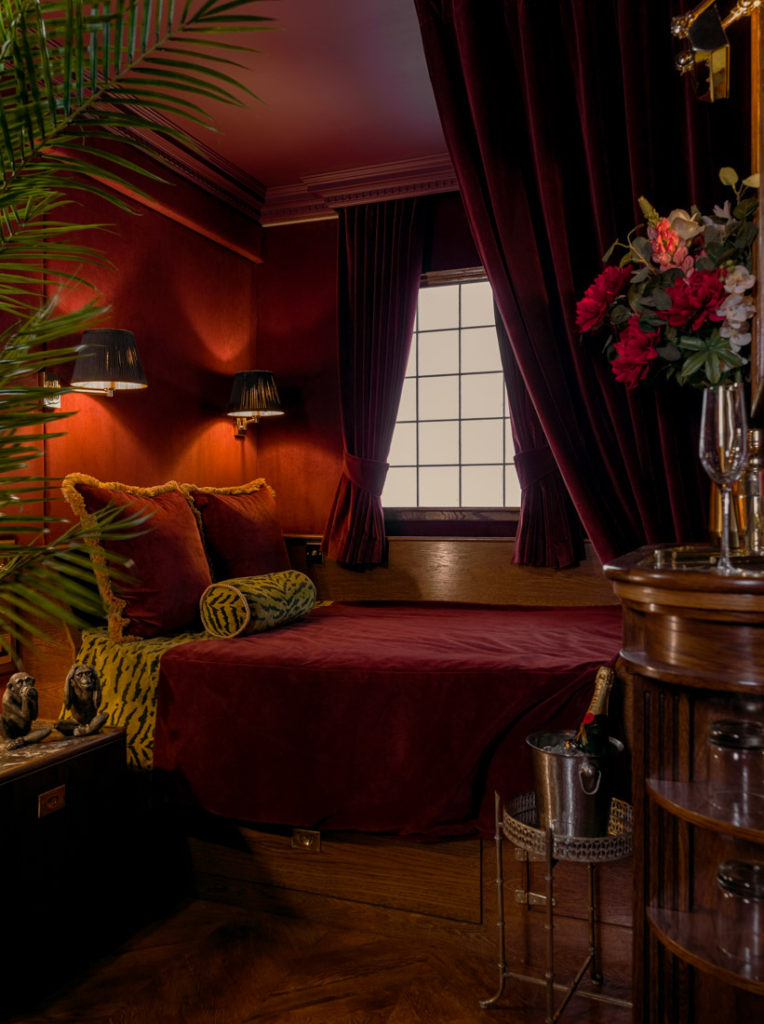 House of Gods Hotel Edinburgh Old Town Dark Red Room With Bed