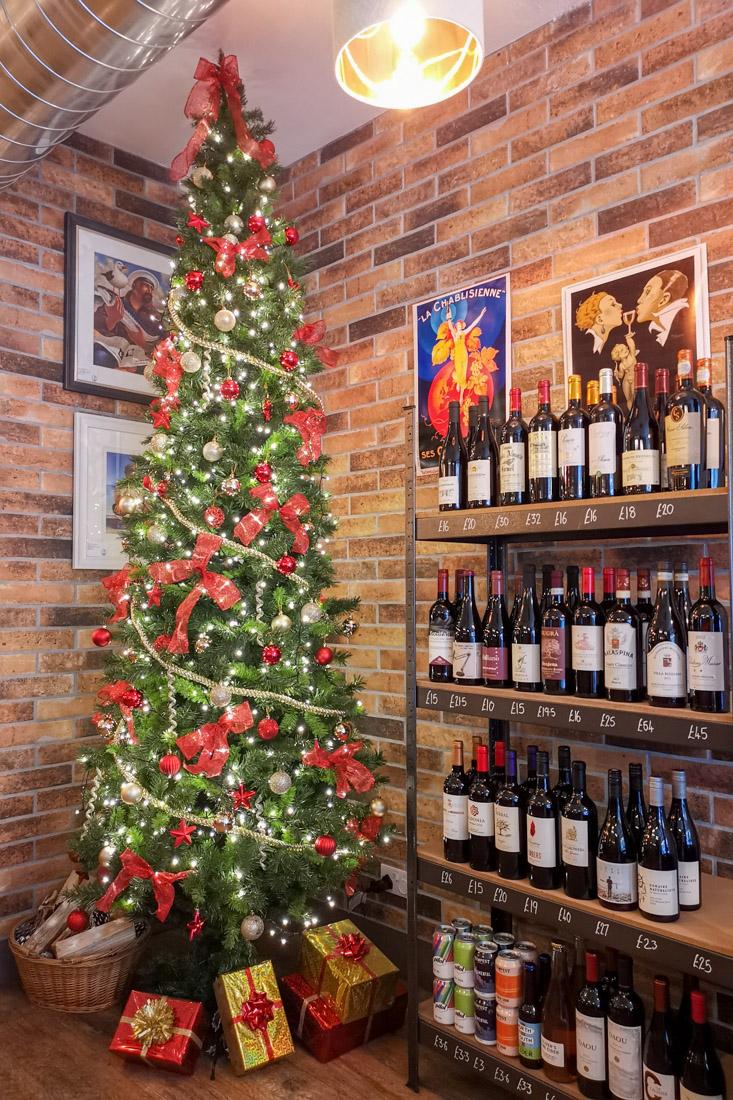 Whiskers Wine Bar Stockbridge Christmas Tree
