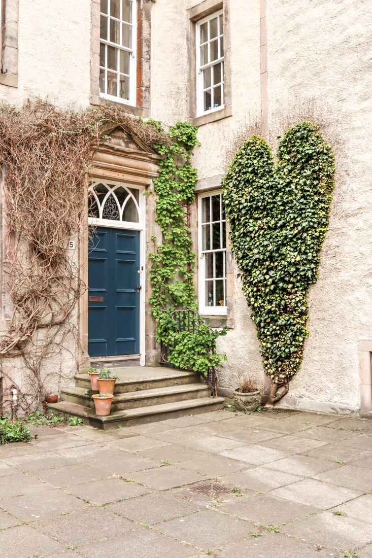 Ivy Heart in Old Town Royal Mile-47
