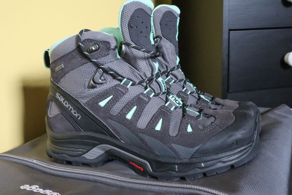 Salomon Boots grey and green boots