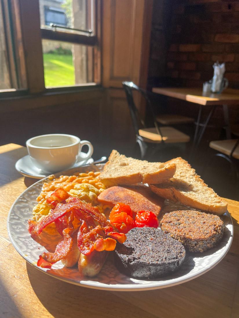 Di Giorgio Caffe brunch breakfast DG full Scottish food