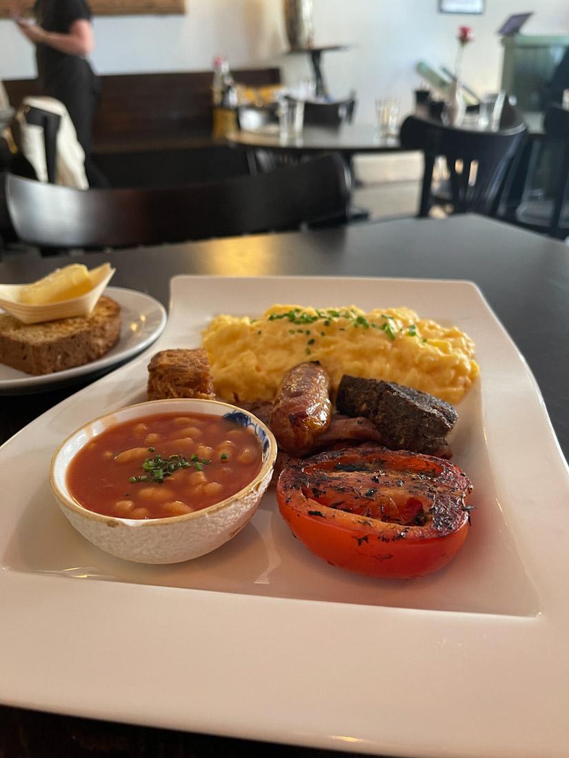 Greenwoods food brunch full Scottish