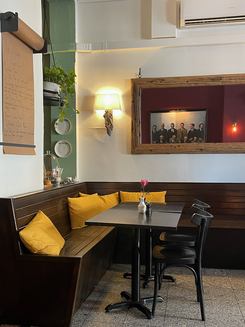 Greenwoods food brunch interior