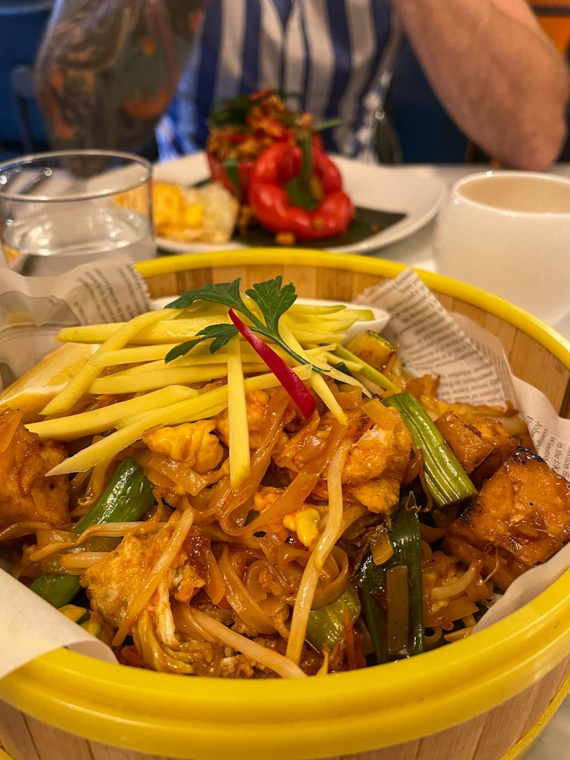 Nok Kitchen Thai food Pad Thai bowl