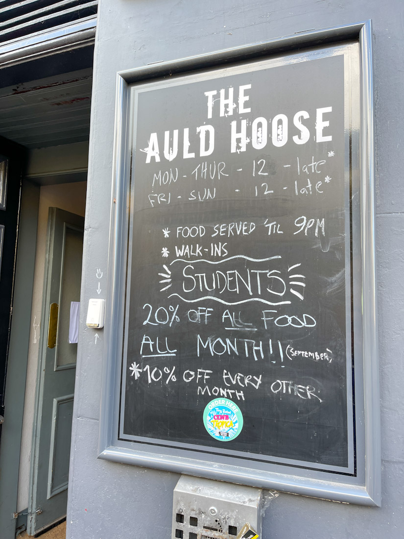 The Auld Hoose pub food students